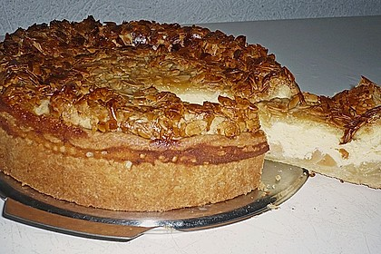 Bienenstich Apple Pie 16