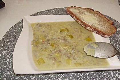 Käse-Lauch-Suppe mit Hackfleisch 128