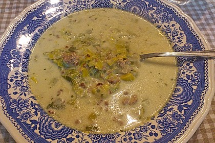 Käse-Lauch-Suppe mit Hackfleisch 90