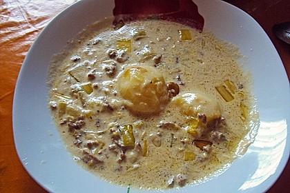 Käse-Lauch-Suppe mit Hackfleisch 108