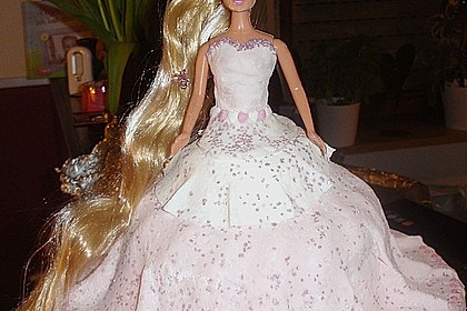 Barbie-Torte 21