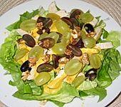 Geflügelsalat mit Walnüssen und Trauben
