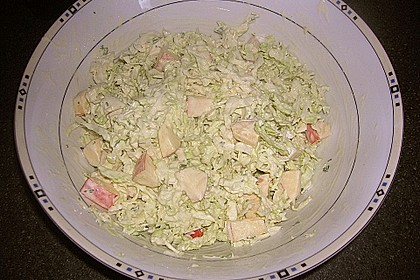 Mellys Chinakohlsalat mit Senf - Joghurtdressing