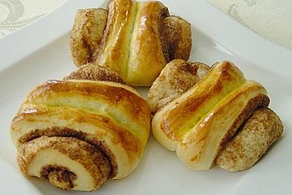 Zuckersüße Franzbrötchen 14