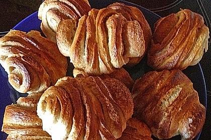 Zuckersüße Franzbrötchen 19