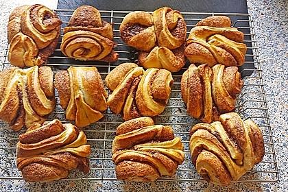 Zuckersüße Franzbrötchen 8