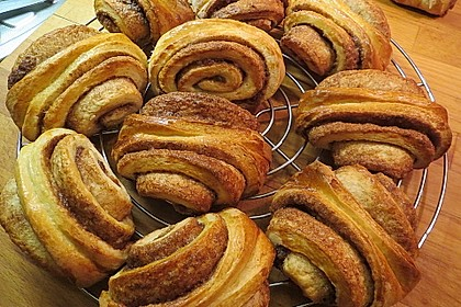 Zuckersüße Franzbrötchen 1