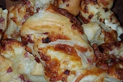 Blätterteig-Schinken-Käse-Stangen 219