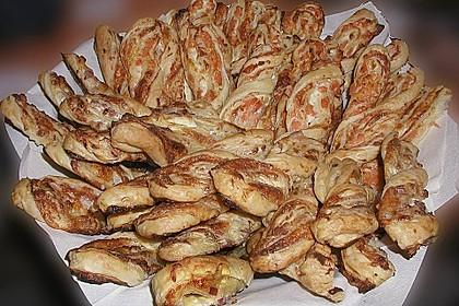 Blätterteig-Schinken-Käse-Stangen 32