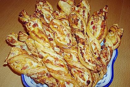 Blätterteig-Schinken-Käse-Stangen 107