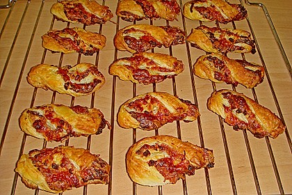 Blätterteig-Schinken-Käse-Stangen 151