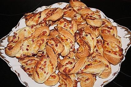 Blätterteig-Schinken-Käse-Stangen 42