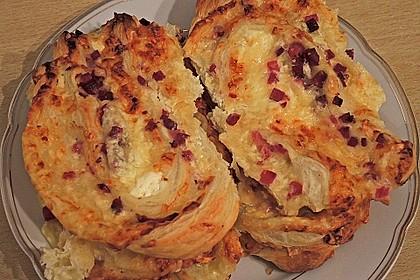 Blätterteig-Schinken-Käse-Stangen 153