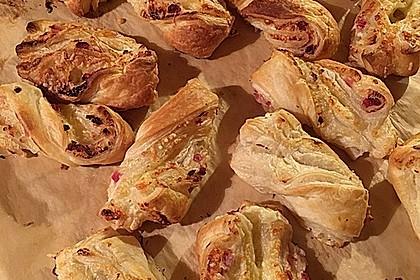 Blätterteig-Schinken-Käse-Stangen 46