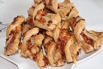 Blätterteig-Schinken-Käse-Stangen 10