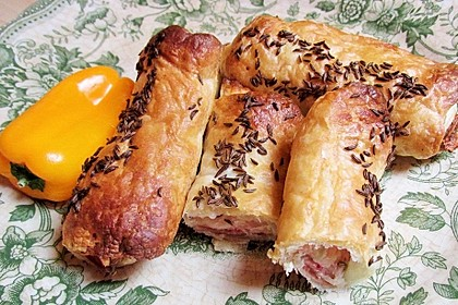 Blätterteig-Schinken-Käse-Stangen 76