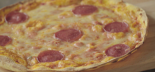 albertos cucina r sti pizza statt mit pizzateig mit kartoffelr sti sonstige kochrezepte. Black Bedroom Furniture Sets. Home Design Ideas