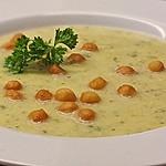 Zucchinisuppe mit Kartoffeln und Schinkeneinlage
